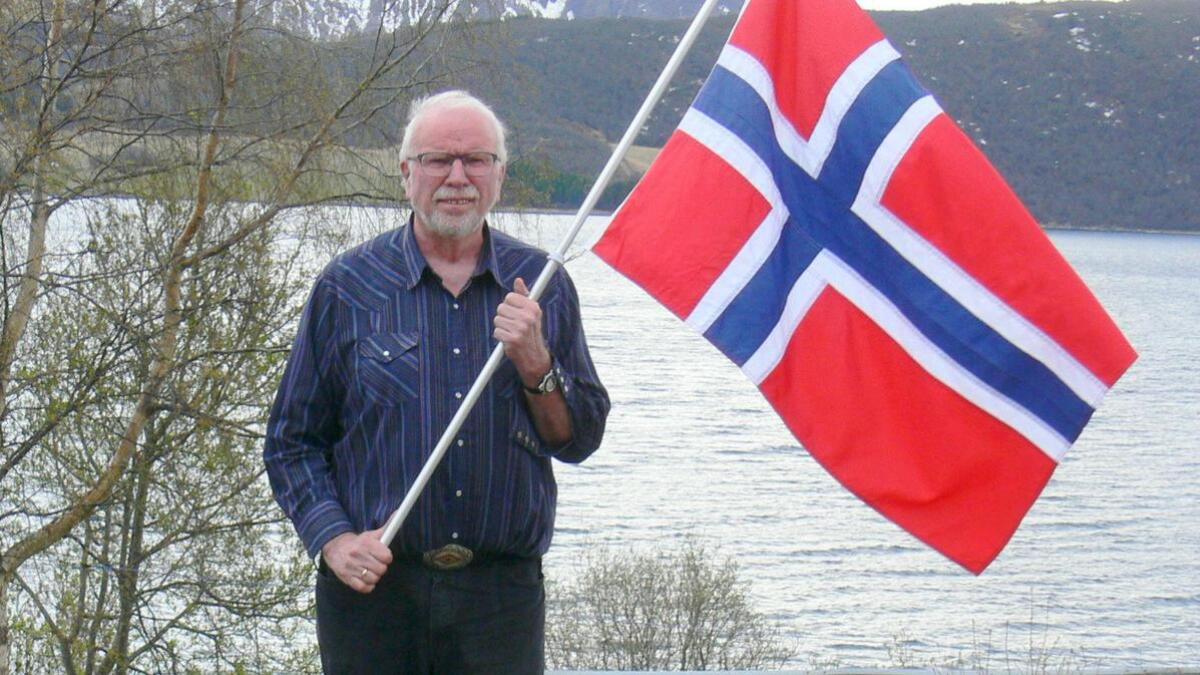 Leder for Kvæfjord Idrettslag og 17. maikomitéen, Jan Meyer, er godt forberedt til årets 17. mai-feiring.