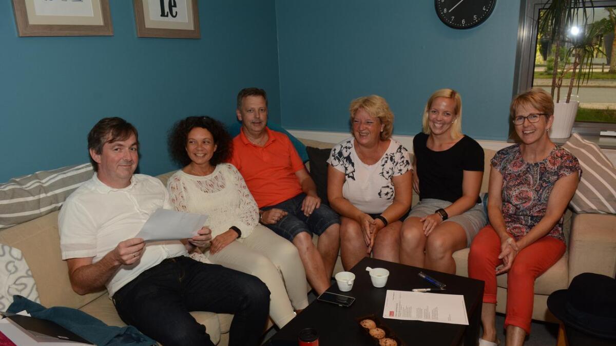 (Fra venstre) Even Finsrud, Marianne Injer, Leif Kulsrud, Kari Engh Nyjordet, Monica Løntjern og Anne Marit Rudolfsen.