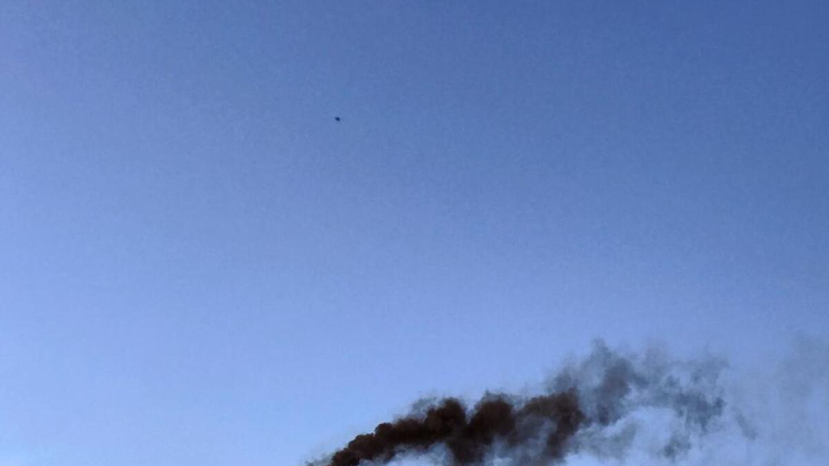 Dette skipet la til kai i Arendal torsdag 7. juli etter å ha vært i Kristiansand. Den svarte dieselrøyken var synlig.