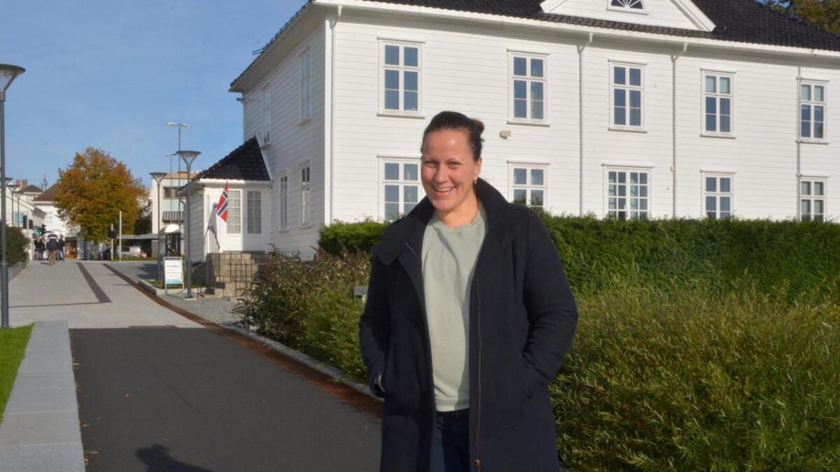 Natalia Hepnerova har startet i jobben som daglig leder i Grimstad Frivilligsentral.