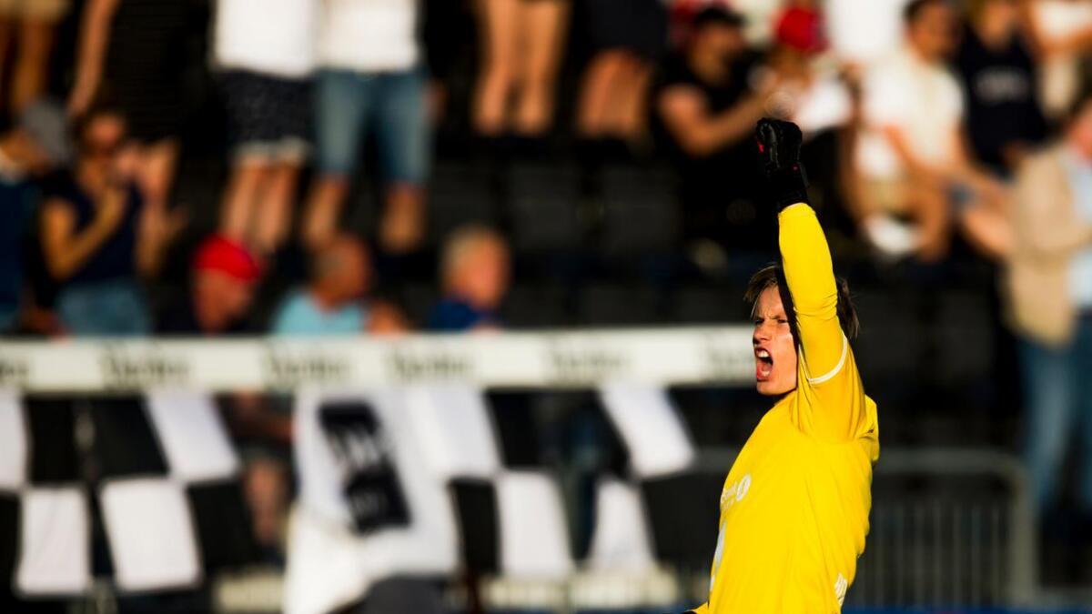 Odd-keeper, Sondre Rossbach, er kritisk til seg selv etter at han slapp inn 1-0 målet i Stavanger. Her er han fra kampen mot Stabæk på Skagerak tidligere i år.