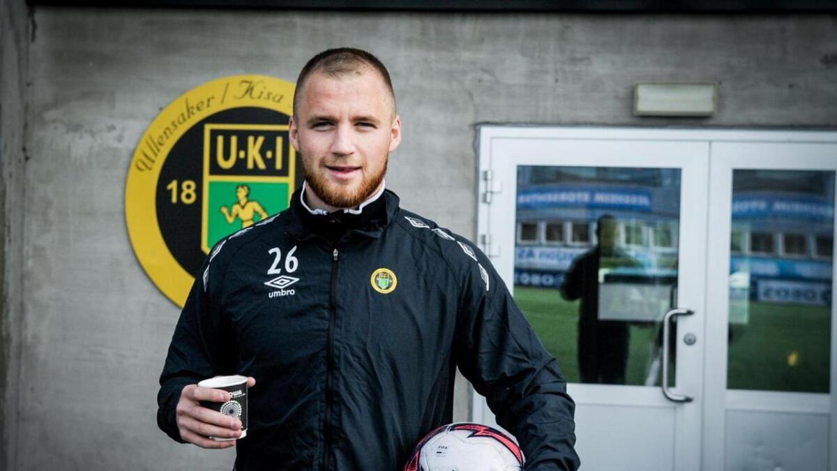 – Eg har fullført ein bachelorgrad som elektroingeniør, ved sidan av trening og kampar. Men no er fokuset mitt på å bli best mogleg i fotball, seier Garnås.