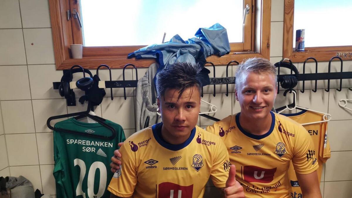 Alexander Dang og Ole Marius Håbestad etter kampen mot Sandnes Ulf søndag.
