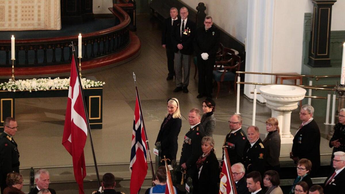 Kronprinsesse Mary av Danmark og  Kronprinsesse Mette-Marit av Norge i Kristiansand under 150-årsmarkeringen for de danske falne i Helgolandsslaget i 1864.