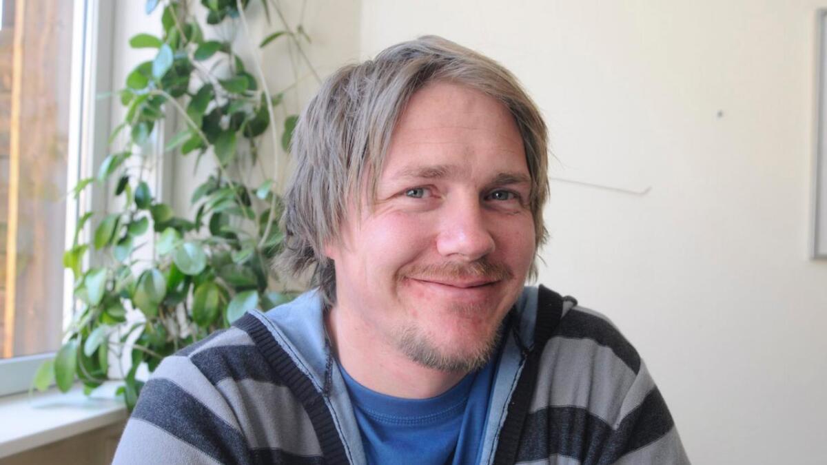 Måndag vart Morten Rudi Sommer vald inn i kommunestyret i Nore og Uvdal for Frp. Torsdag melde han seg inn i Høgre. Neste periode kjem han formelt til å møte som uavhengig.