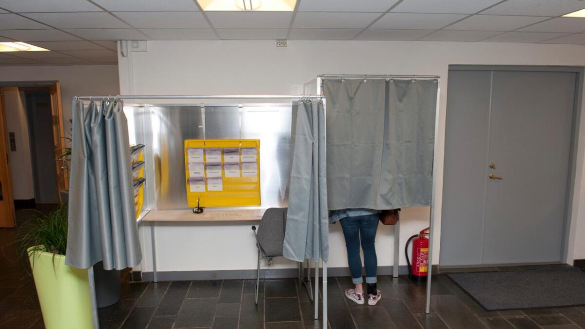 Mandag er forhåndsstemmingen i gang i kommunetorget på rådhuset. Man kan forhåndsstemme til og med 6. september.ARKIVFOTO