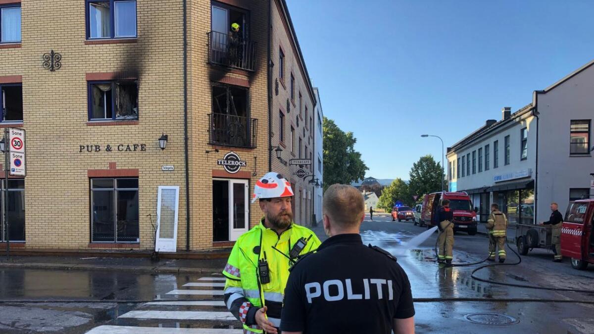 Fagsjef Brann, Elling Krosshus.