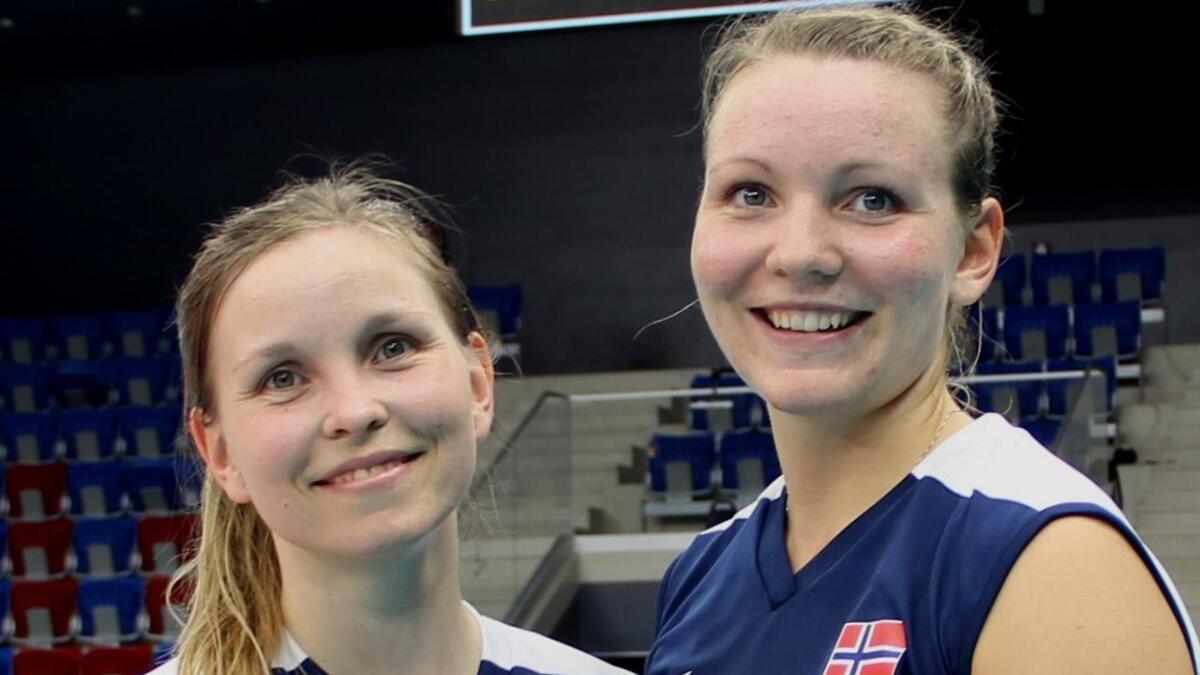 Søstrene Ragni (t.h.) og Marianne Steen Knudsen skal spille sammen på Førde i cupfinalen mot Oslo Volley. (Arkivfoto)