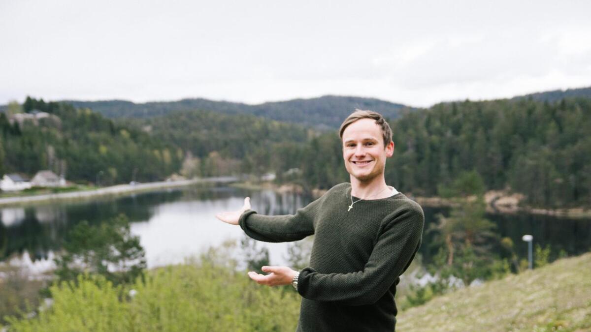 Fersk KrF-politiker, Martin Engamo, vil nå ta opp kampen om å få anlagt en tursti rundt Skarpenglandsvannet.