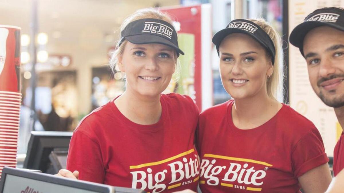 Opninga av den nye BigBite butikken på Amfi Os vert utsett på ubestemd tid då dei ikkje har fått serveringsbevillinga frå Os Kommune endå.