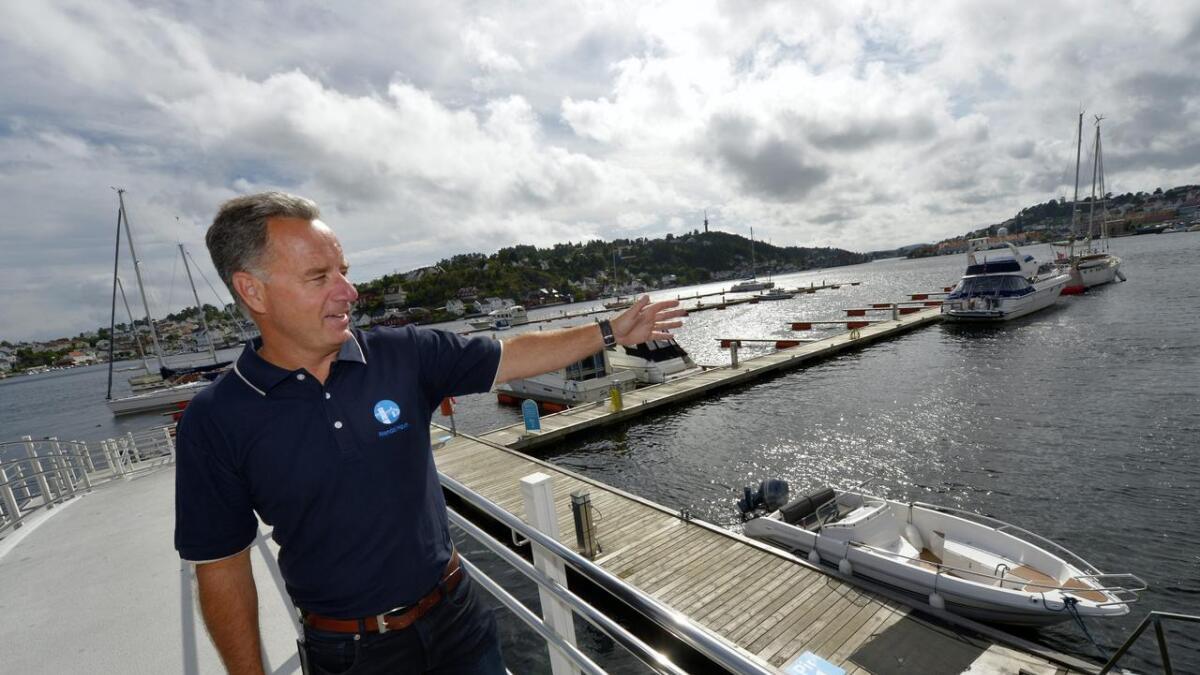 Havnesjef for Arendal havn, Rune Hvass, sier gjestehavna er et instrument for å øke omsetningen på restauranter og butikker i byen. – Det føler jeg vi lyktes med i år,                                sier han.
