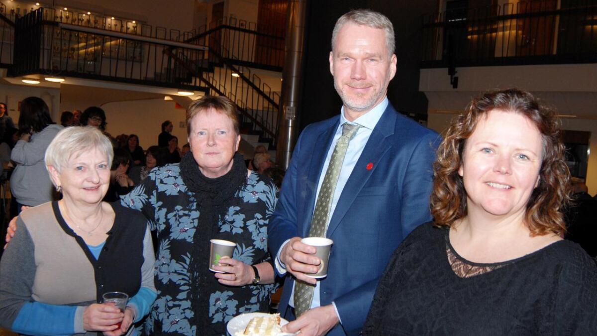 Werna Steffensen, Siri Moe, Christian Torset og Kersti Mathiassen var med på markeringen av 8. mars på Sortland.