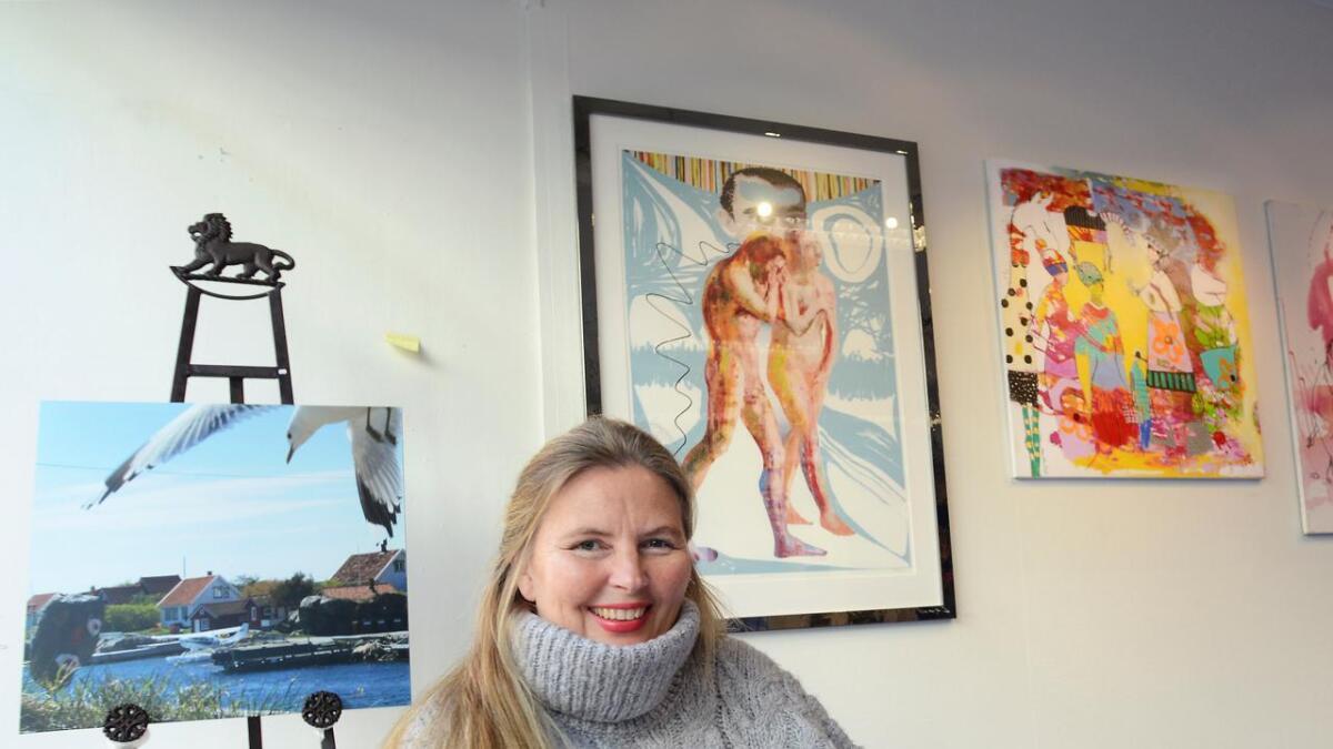 """Vibeke Lillefjære har dratt i gang auksjonen """"Kunst for Syria""""."""