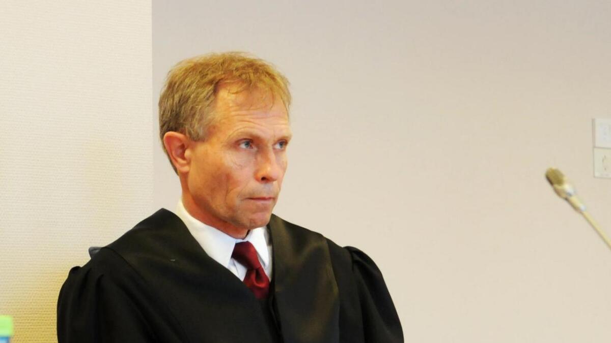 Morten Berg representerer Frid Halmøy.