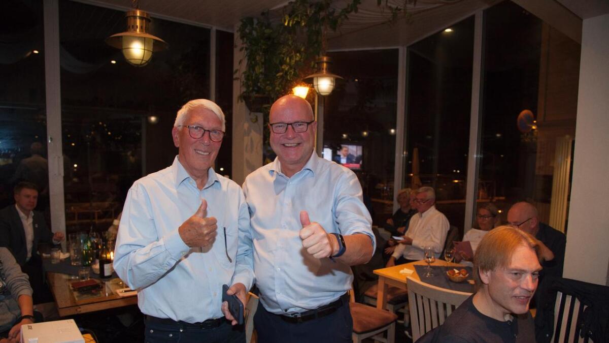 Kai Magne Strat  (t.h.) kan bli ordfører, men først skal det forhandles. Han og Høyre-leder Dag Gjesteby er optimister.