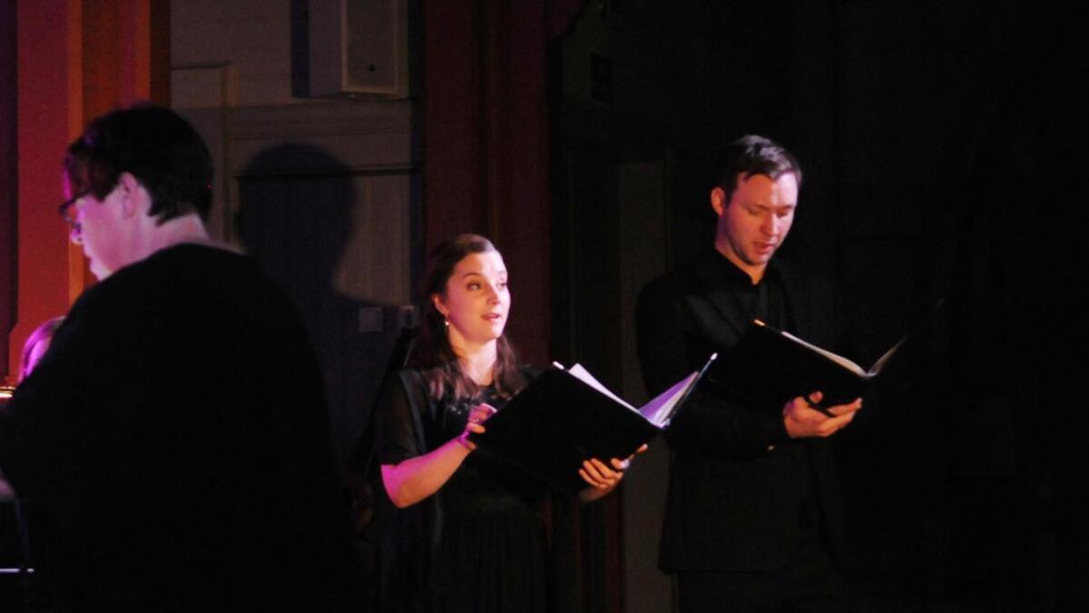 Solistene Karoline Åseng og Henrik Sand Dagfinrud løftet konserten.