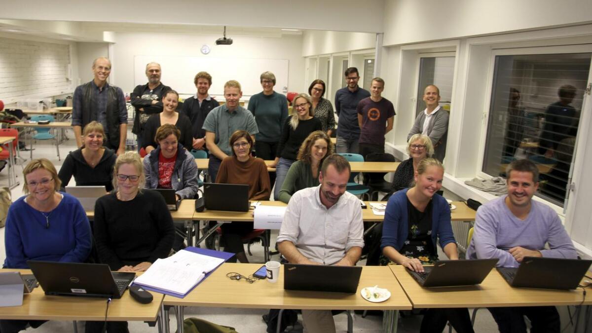 Her er noen av lærene som er elever ved Universitetet i Sørøst-Norge. Bakerst til venstre er Finn Aakre Haugen og stående ytterst til høyre er Marius Lysaker.