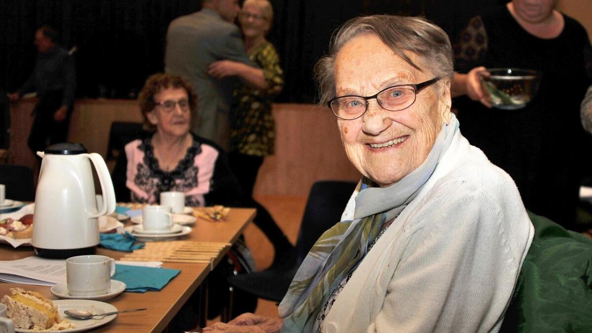 Jørgine Marie Steinsvik (100) likte seg også på eldrefesten.