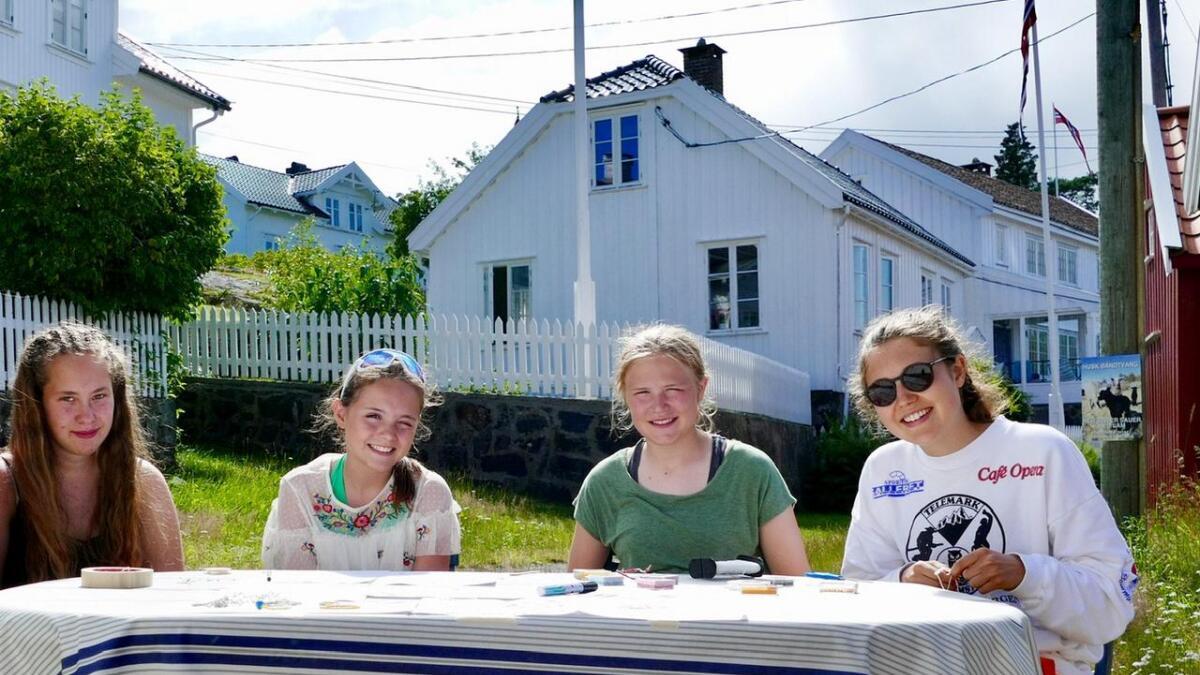 Ida Heldal Standnes (f.v.), Laura Tronstad Juliebø, Ingrid Lilleskog Tronstad og Frid Lilleskog Tronstad.