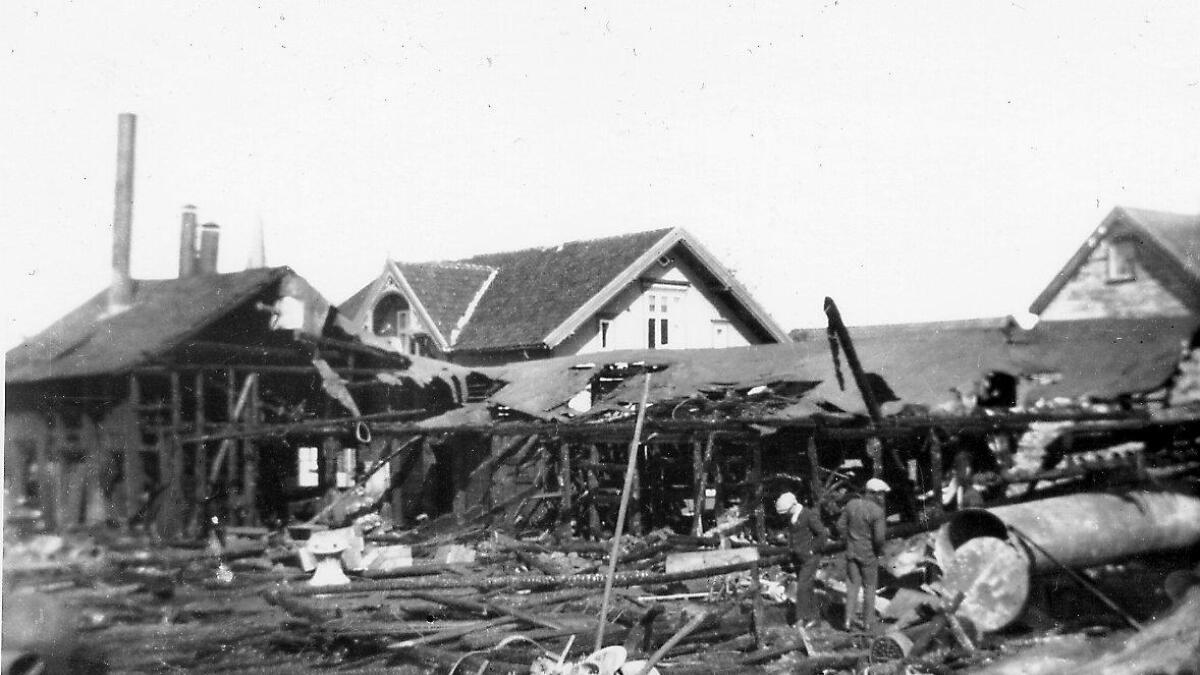 O. & P. Knudsens verft brant ned til grunnen i 1921. Siste skip som ble bygget var «Sterkodder».