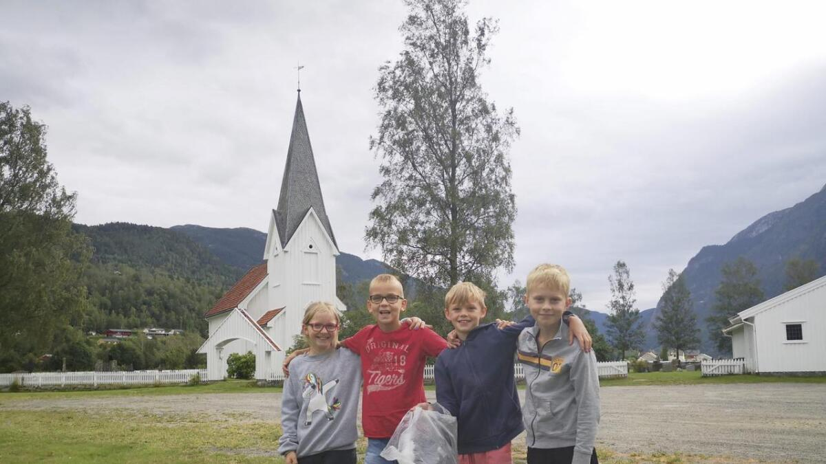 Silje Greiner (t.v.), Stian Nieuwenhuize, Eivind Flatland og Hauk Juvland.  Båe