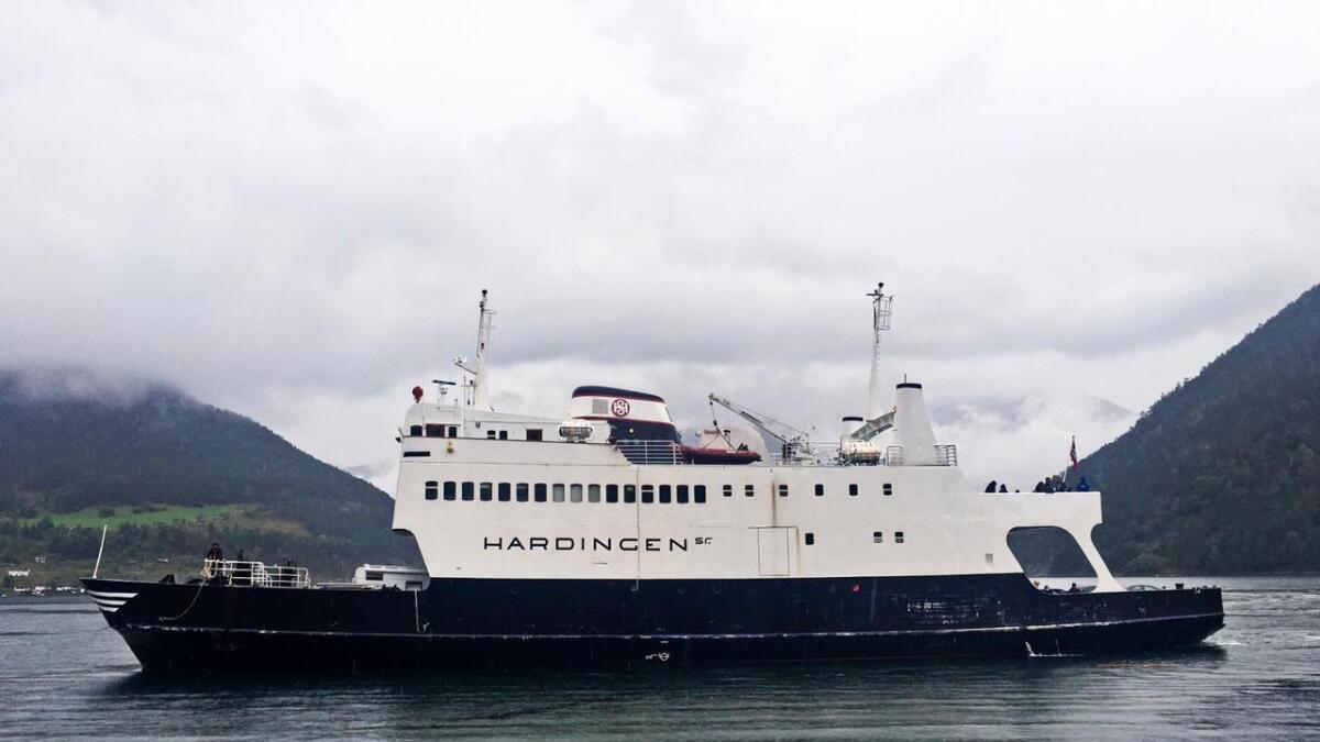 Hardingen, ein gong den flottaste av alle ferjene som gjekk i skytteltrafikk i Kvanndal. Ragnhild Mjør meiner ferje er eit godt motiv til ordførarkjeda.