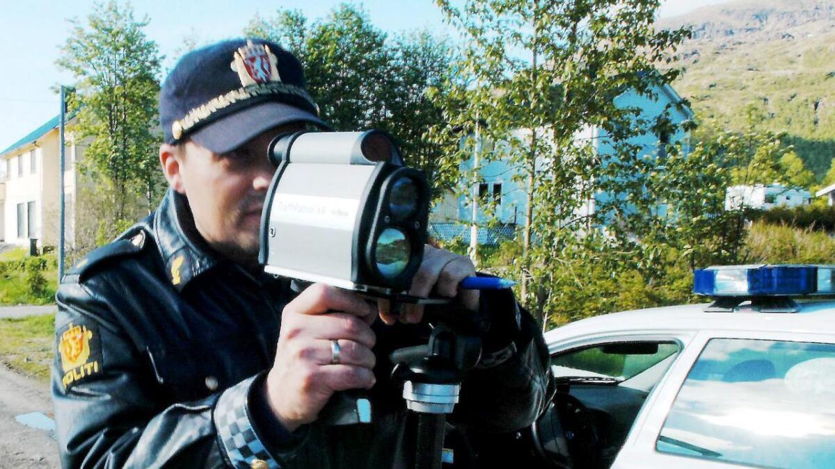 Politiet hadde laserkontroll i regionen lørdag formiddag.