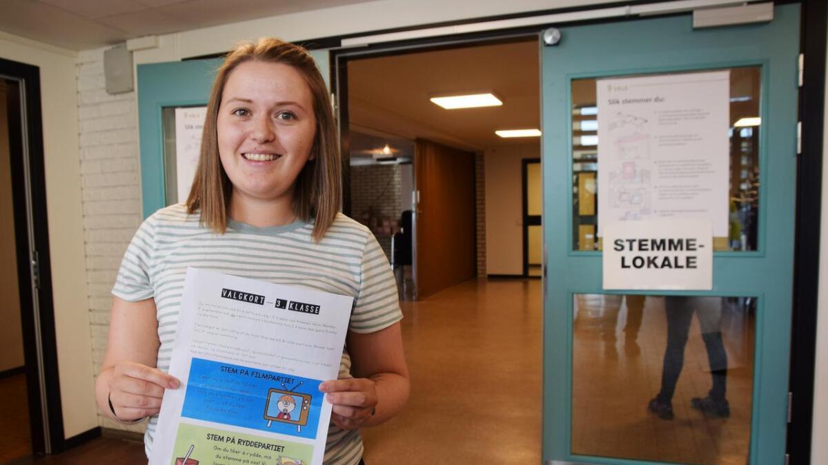 Det var lærer Marthe Hansen som sto bak idéen om et eget valg for å lære elevene litt om valgdagen, og om hvordan demokratiet fungerer.