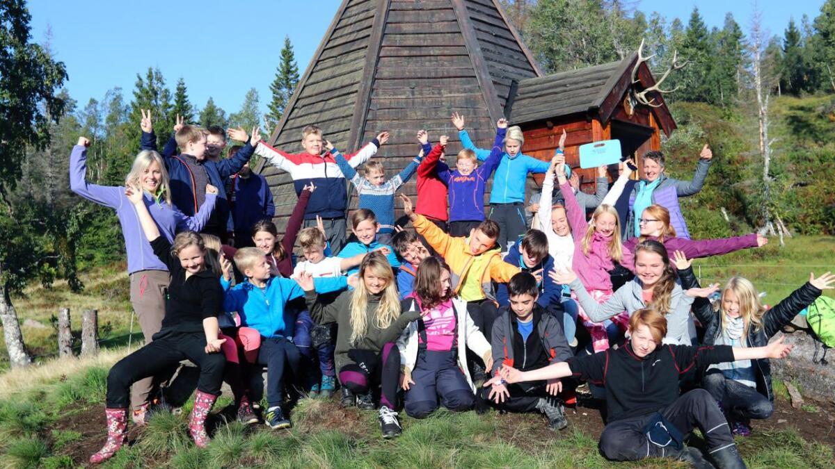 I fjor inviterte turlaget elevar på skulen i Granvin på stølstur med overnatting, på Helgastøl.