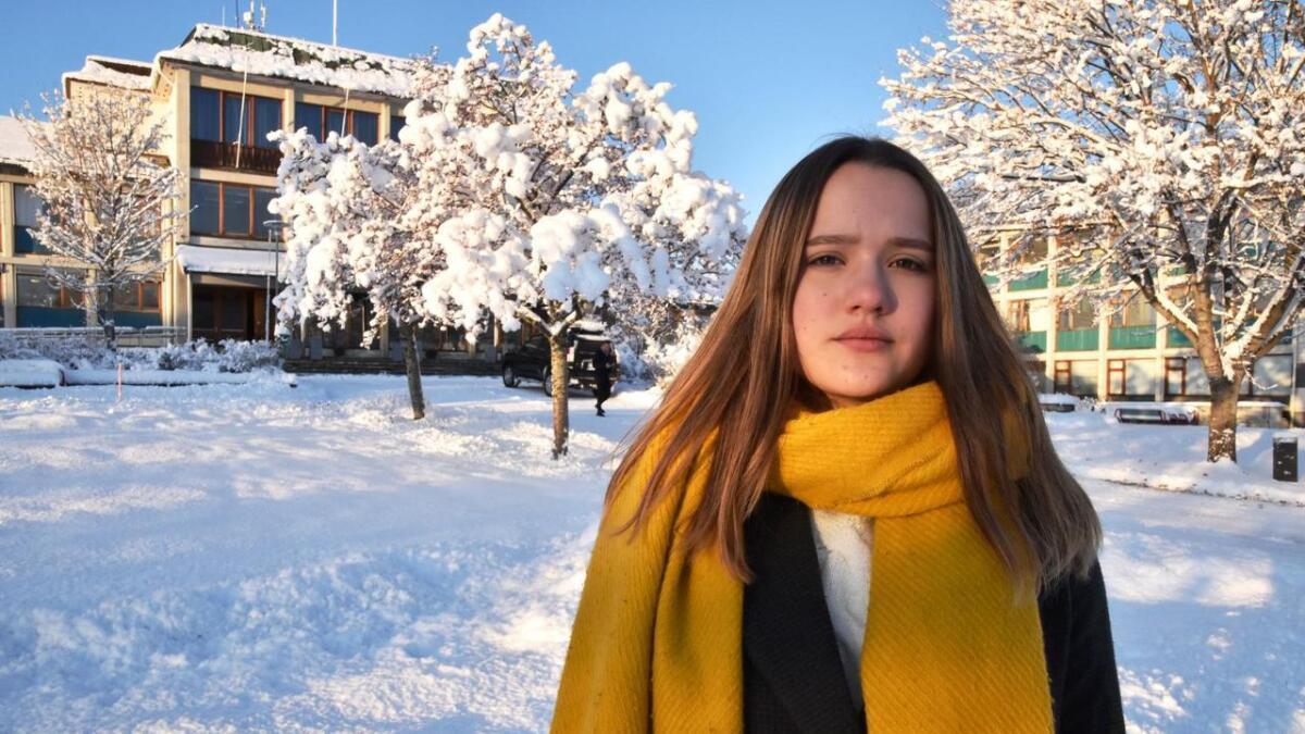 Oda Regine Elvenes, som er leder av ungdomsrådet i Sortland, venter ennå på at kommunen tar kontakt.