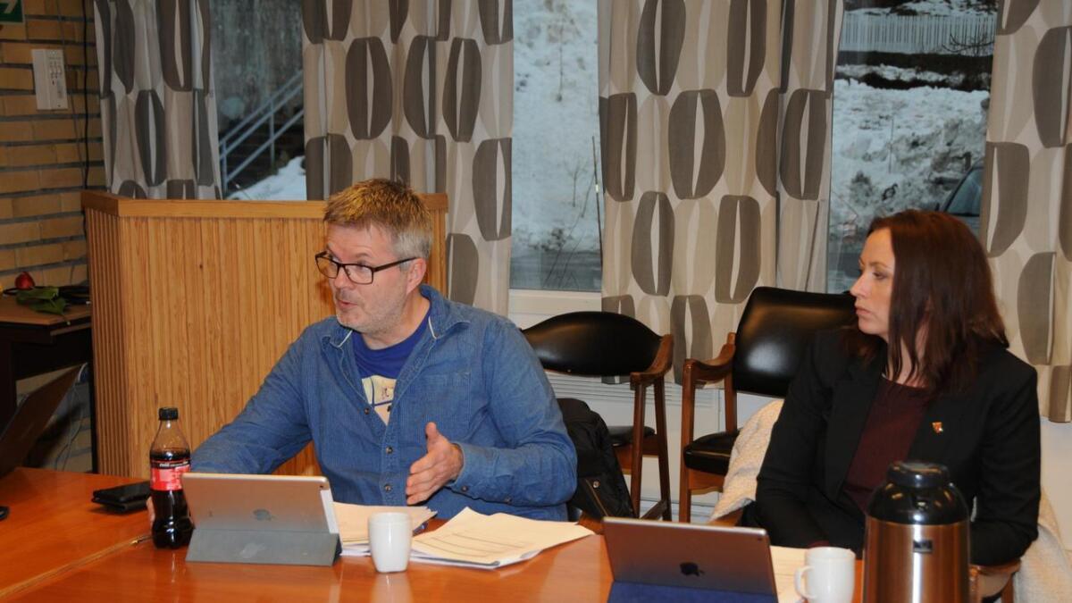 Ian Parry-Jones og Tjodvor Margrete Haugen (båe SP) var stort sett på linje med rådmannens budsjettforslag.