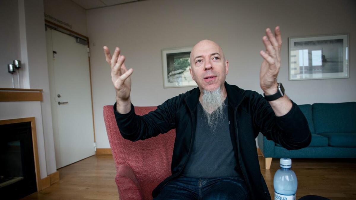 Jordan Rudess stortrives som medlem i Dream Theater og er takknemlig for å kunne spille for dedikerte fans.