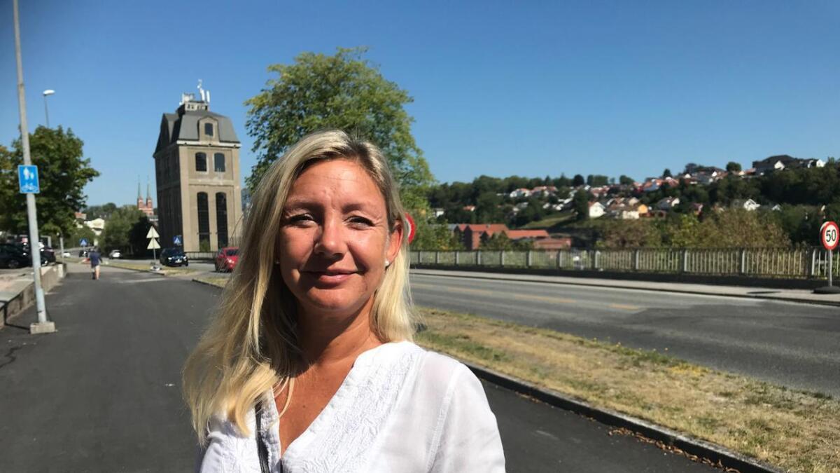 Trine Almenning (Ap) er overrasket over at Høyres ordførerkandidat, Emilie Schäffer, stengte en debatt på Facebook før hun dro på ferie.