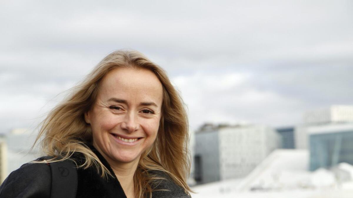 Tale Maria Krohn Engvik er mest kjent som Helsesista frå Snapchat. No gir ho ut boka «Våg å være»