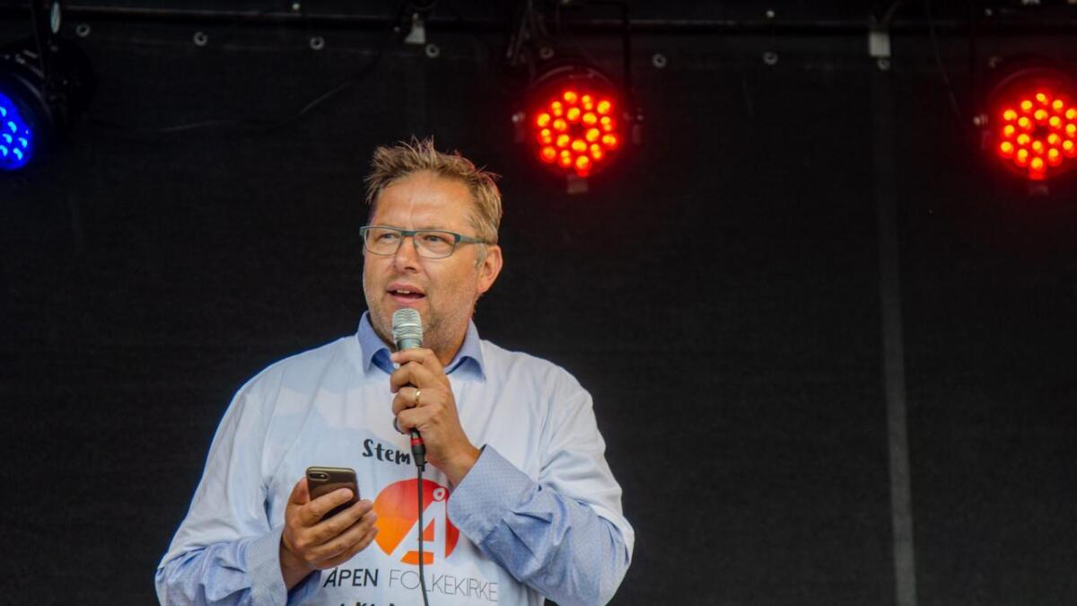 Odd-Inge Uleberg Rønning mener Olav Nilsen burde være mer opptatt hva han selv sprer, istedenfor for å mene at homofile sprer syfilis og gonoré og hiv.