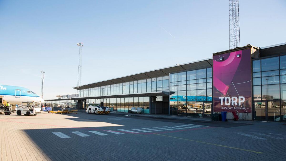 Sandefjord lufthavn, Torp. Våren 2020 kan du fly fra Torp til Stockholm.