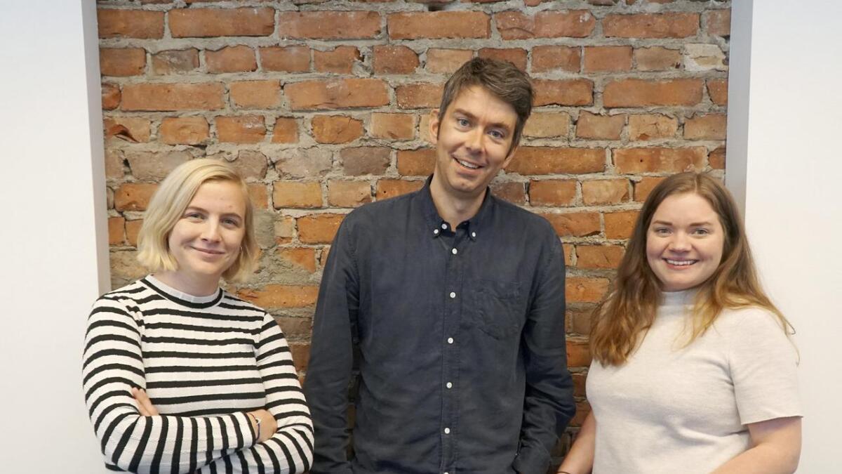 Redaktør Svein Olav B. Langåker, her saman med journalistane Andrea Rygg Nøttveit og Bente Kristin Rundereim Kjøllesdal, er svært nøgd med løyvinga på 1,2 millionar til Framtida.no og Framtidajunior.no over statsbudsjettet.