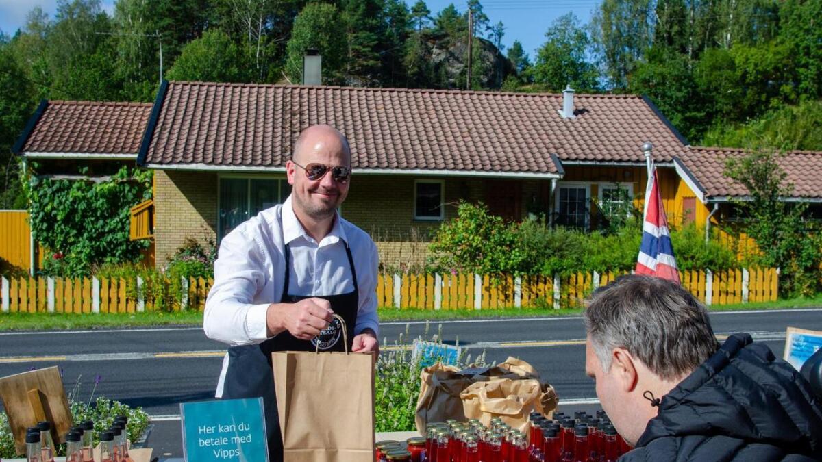 Jon Ånund Aslaksen fra Skråstad gårdsutsalg hadde mye fristende å by.