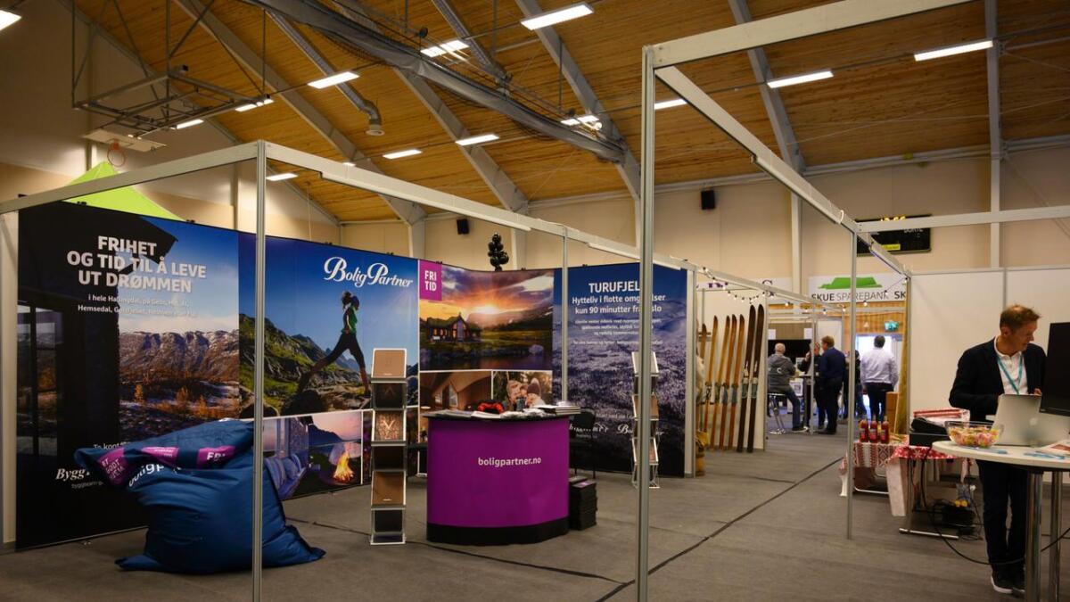 Hyttemessa som også blir kalla for Hyttehallingen føregjekk i Thonhallen på Flå i helga.