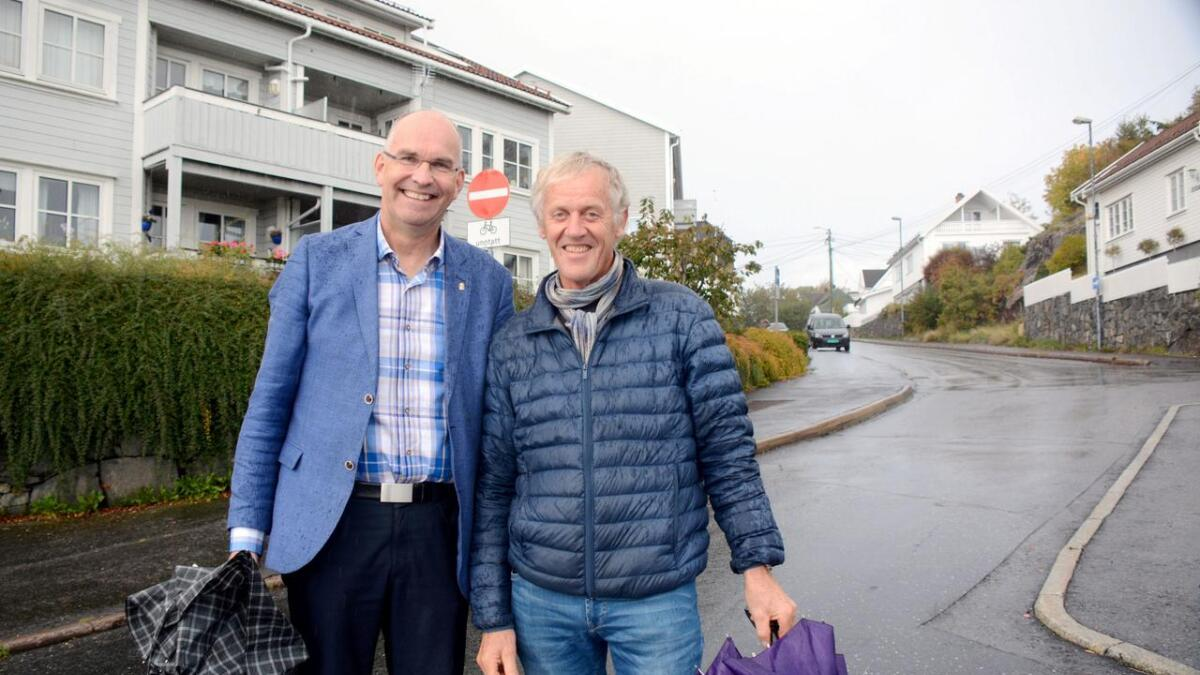 Kjetil Glimsdal og Stein Gjulem gleder seg over at Jørgen Bangs gate nå skal åpnes igjen.