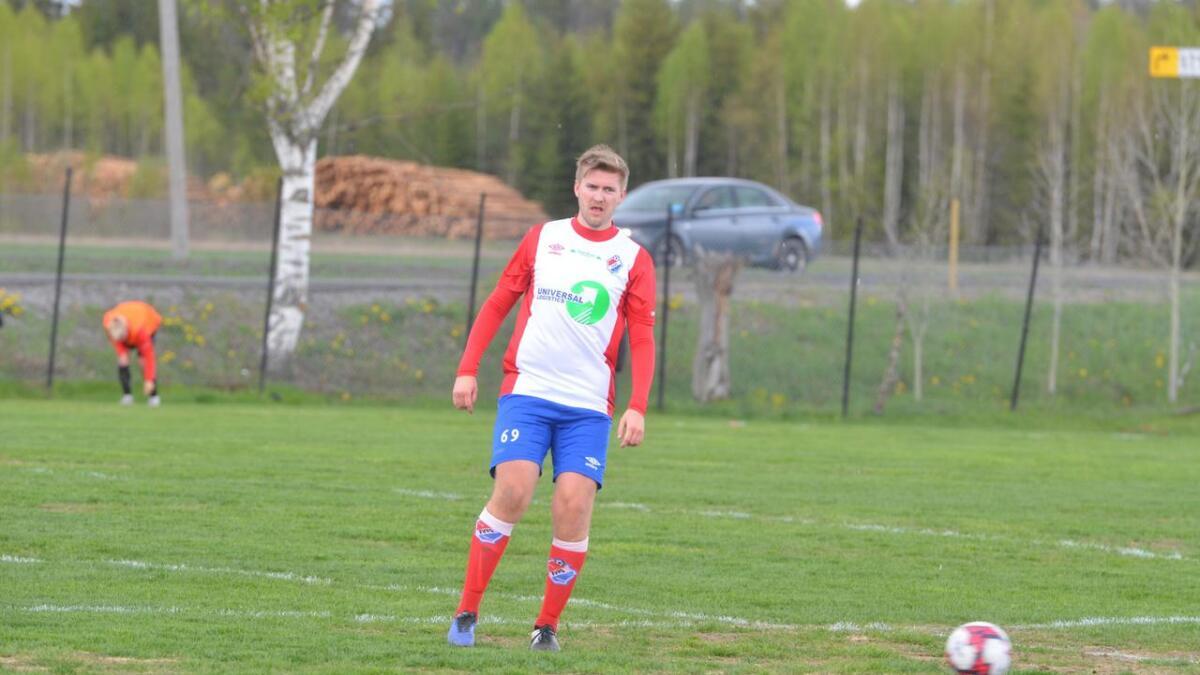 Simen Nordnes bidro til en viktig FUVO-seier i Eidsvoll mandag kveld.