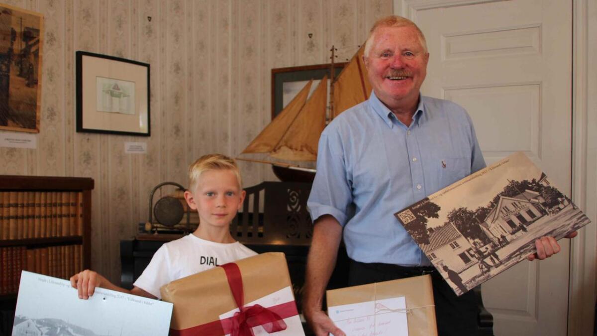 Heine Aleksander Heldal (7 år) og Knut Anonsen ble vinnere av sommerkonkurransen på museet