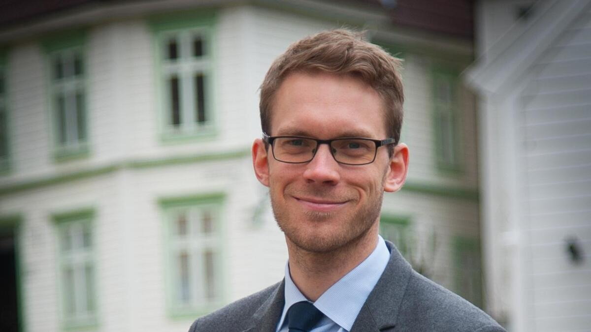 Eigil Knutsen meiner kommunalministeren må revurdera konsekvensane av sitt eige budsjett.