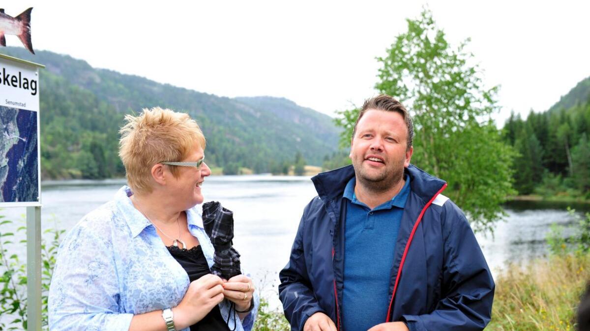 Petter N. Toldnæs sammen med Venstre-leder Trine Skei Grande i Birkenes.