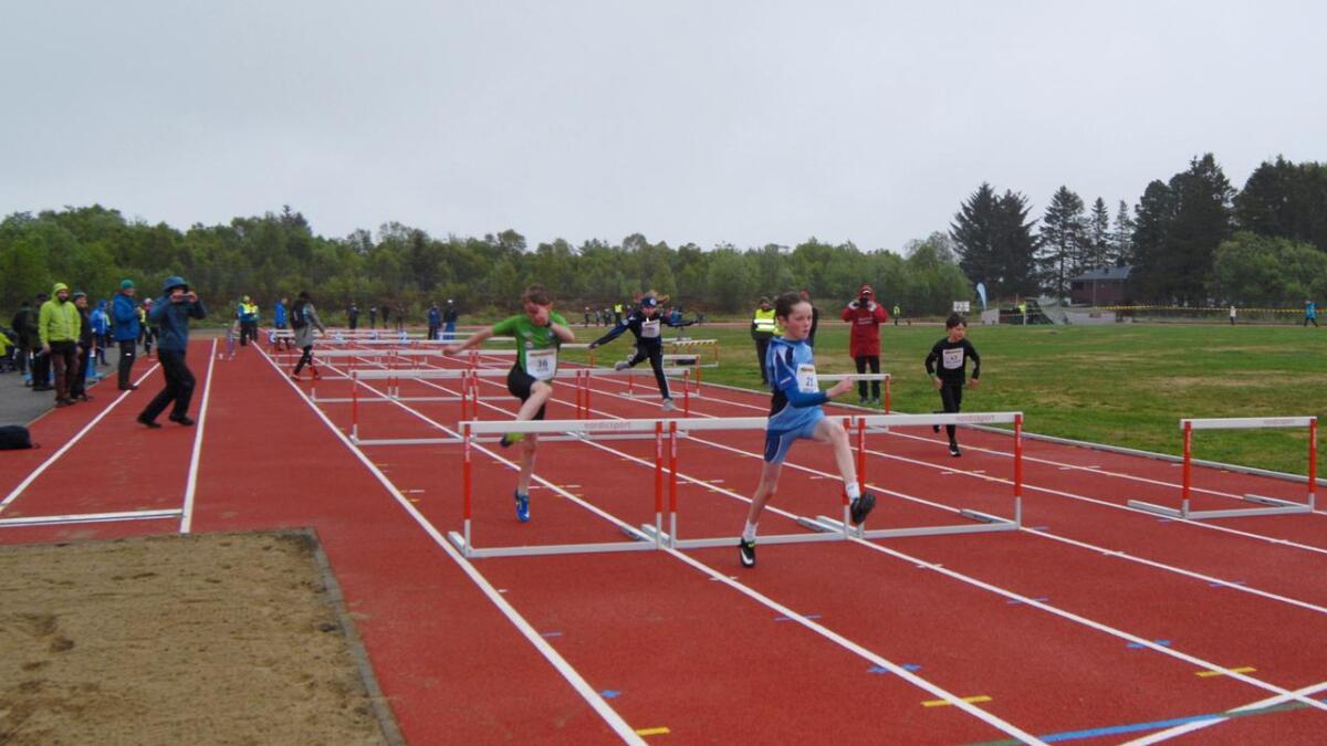 100 meter hekk jenter og gutter 15-17 år.