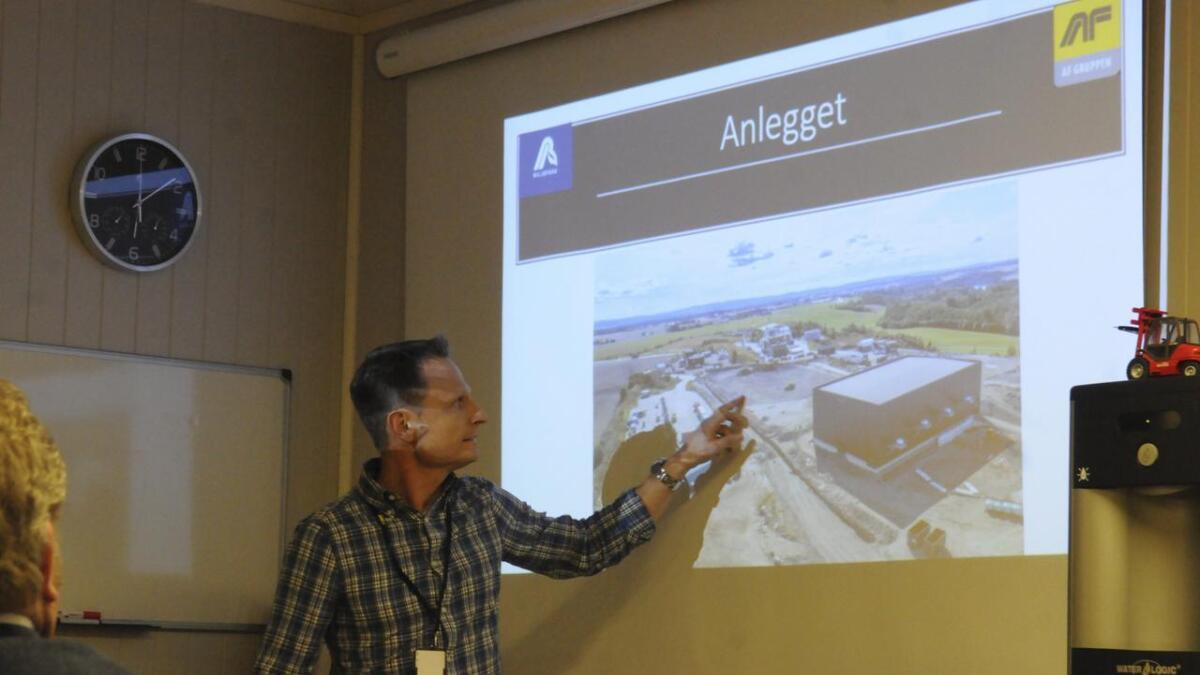 Thomas Henriksen, daglig leder Nes Miljøpark (jordrenseanlegget), er glad for at tillatelsen endelig ligger på bordet.