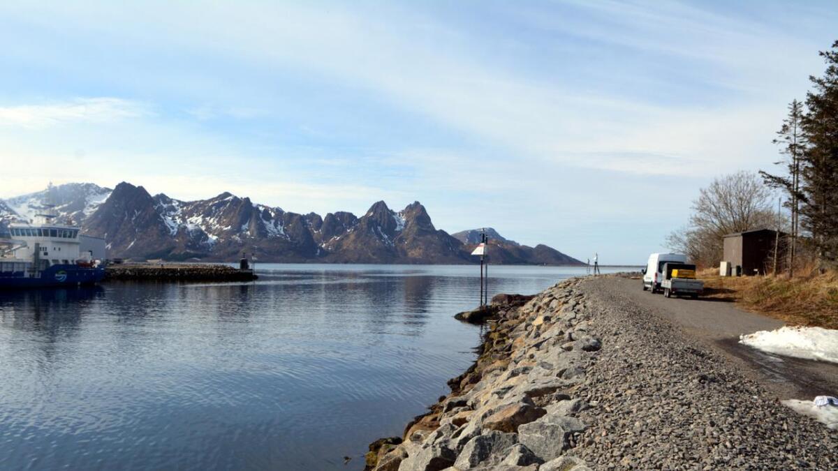 Innseilinga til Myre havn. Her vil også Torstein Reinholdtsens vei gå i framtida.