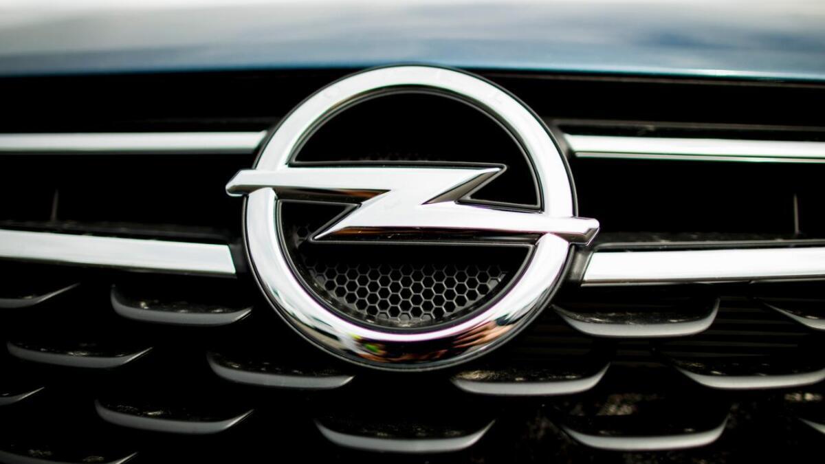 Kun få måneder etter kjøpet røk girkassen bilen, en Opel Insigna 2011-modell.