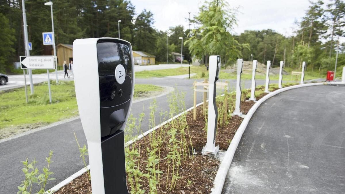 Åtte nye ladepunkt på den nye Vabakkjen-parkeringsplassen fekk i august straum i seg, og står no klare til bruk på den nye parkeringsplassen. Heilt gratis inntil vidare.