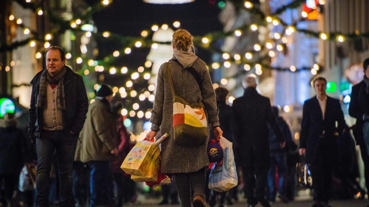 Totalt vil nordmenn julehandle for 58 milliarder kroner, det tilsvarer rundt 11.000 kroner på hver av oss, ifølge handelsorganisasjonen Virke. Illustrasjonsfoto.